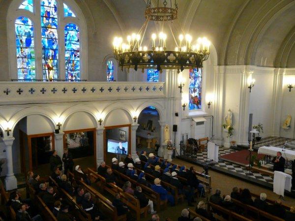 582 - Vue sur le transept gauche de l'église St Amé -