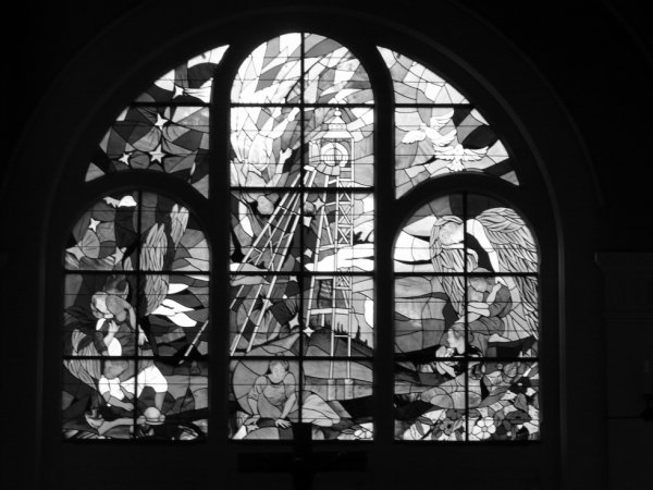 583 - le choeur de St Amé et son vitrail -