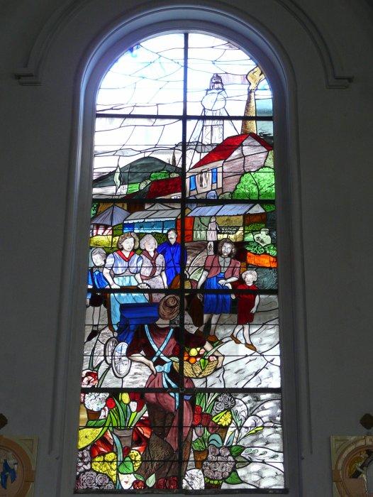 St Amé et ses vitraux, à liévin.