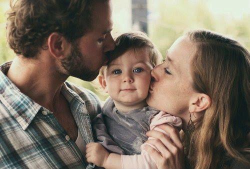 « En famille il faut toujours s'embrasser.  Peu importe ce qu'on pense les uns des autres. ♥ »  - Desperate Housewives -
