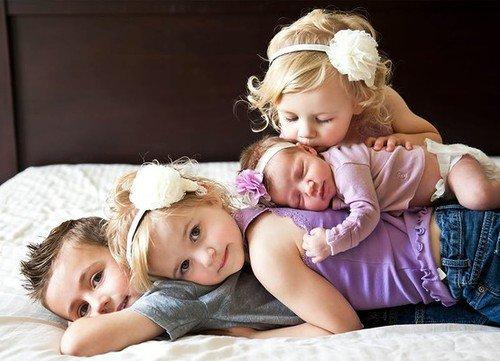 « Décider d'avoir un enfant, c'est accepter que votre c½ur se sépare de votre corps et marche à vos côtés pour toujours. ♥ » - Katharine Hadley -