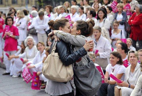 23 avril 2013 : La loi pour le mariage pour tous a été adopté.