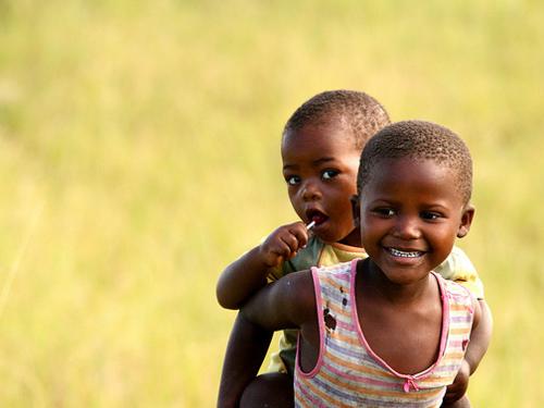 « Un cousin est un petit coin d'enfance qu'on ne pourra jamais perdre. » - Marion C. Garretty -