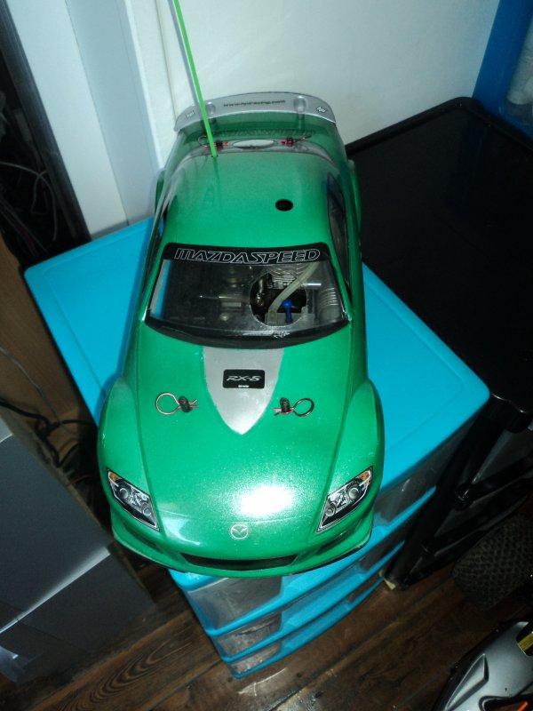 Vend voiture thermique 1/10eme piste