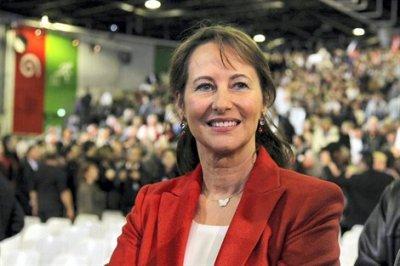 """Ségolène Royal, a appelé samedi ses fidèles de Désirs d'avenir à se mobiliser avec """"loyauté et ardeur"""" pour la victoire de François Hollande"""