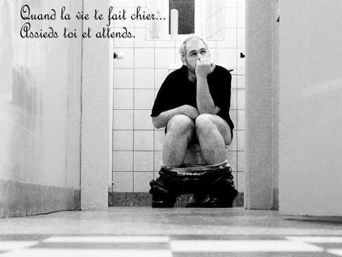 la vie > Dans la vie on partage toujours les emmerdes, jamais le pognon.^^ —