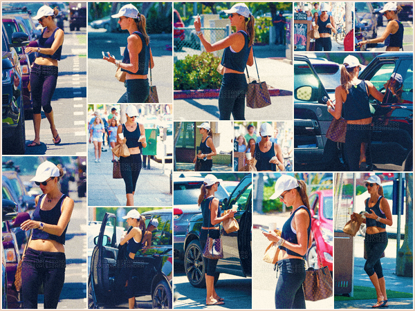 -─ 09/08/17-' : Alessandra Ambrosio à été photographiée arrivant puis sortant de son cours de gym dans « Venice », CA.  C'est en Californie qu'Alessandra à été vue avant et après son cours de gym, qui garde son corps en forme ! Niveau tenue c'est simple mais c'est un TOP.