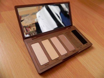 Test: Naked Basics by Urban Decay