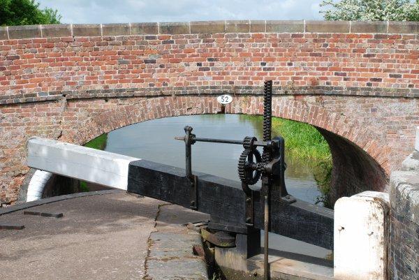 Narrow Canals (4)