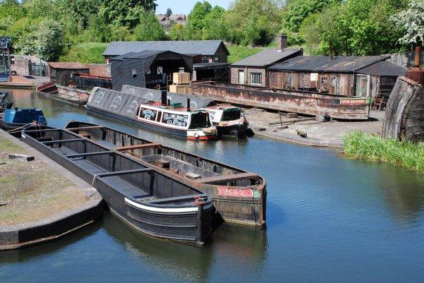 Narrow Canals (1)