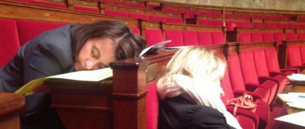 "akors CECILE DUFLOT  on dort a l""assemblee nationale"
