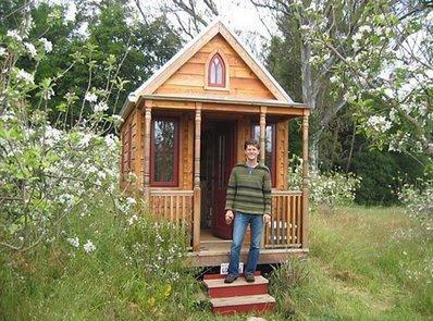 3 la plus petite maison du monde blog de record du monde. Black Bedroom Furniture Sets. Home Design Ideas