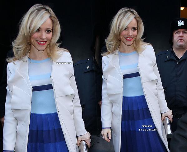 """31-01-12 ___ Rachel quittant les studios de """"Good Morning América"""" . Elle a était ensuite vu rejoindre son hotel.  _____________________"""