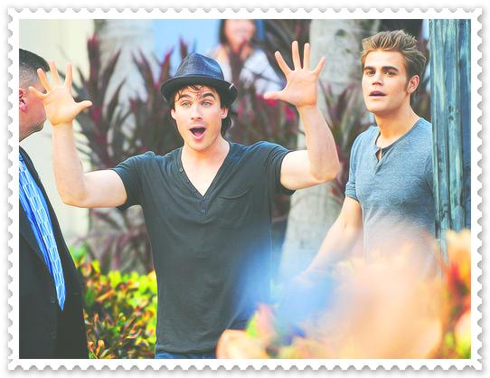 ♥ . ♥ . ♥ . ♥ . ♥Stefan ? ou Damon ? ♥ . ♥ . ♥ . ♥ . ♥
