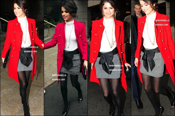 * Selena quittant son hôtel à Londres - 27.09.10 *