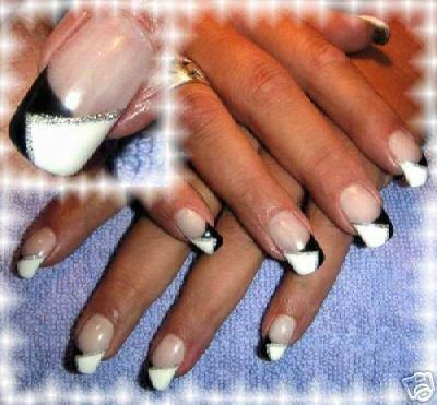 faux ongles en gel. moitié blanc moitié noir