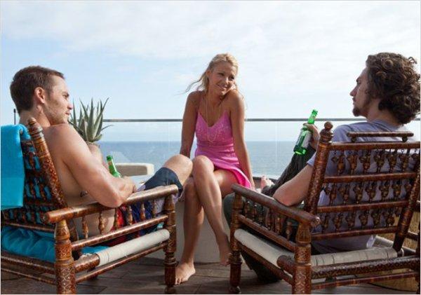 """CANDID 06/07 : Le nouveau film de Miss Lively """"Savages"""""""