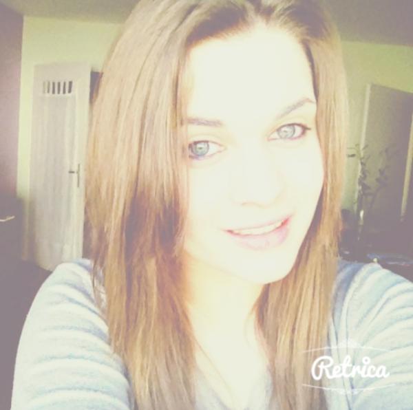 Je t'aime, mais je te hais. Tu fais mon bonheur, mais tu fais mon malheur. Tu me fais sourire, mais tu me fais souffrir.
