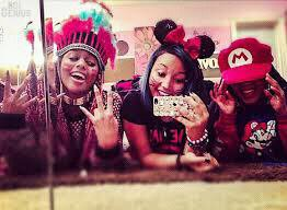 "Regardez ""Reginae , Lourdes and the OMG Girlz moments"" sur YouTube"