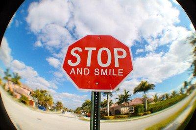 Mon sourire resteras ma plus belle armes.