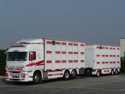transporteur italien la passion du camion. Black Bedroom Furniture Sets. Home Design Ideas