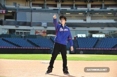 Justin sur le tournage du clip Never Say Never Acoustique :)