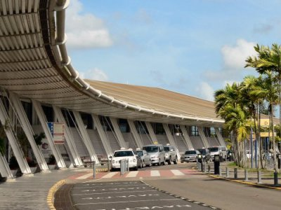 Taxis Aeroport & Location de voiture #Martinique
