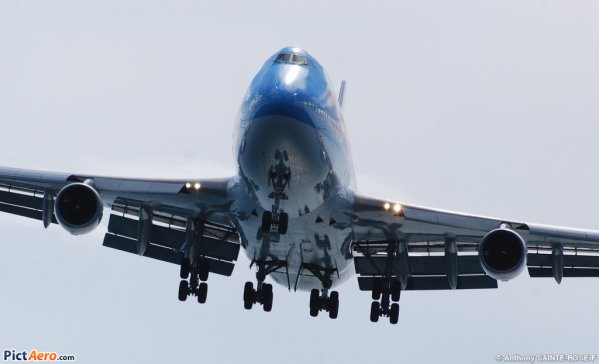 Photos/Vidéos - Corsairfly Boeing 747-400 > Martinique .