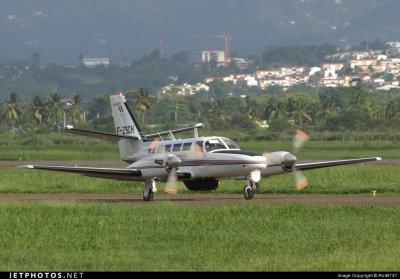 Avion > Cessna F406 Douane Française .