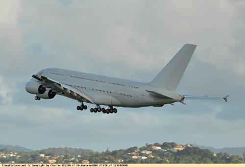 Airbus A380 > Martinique 2006 .