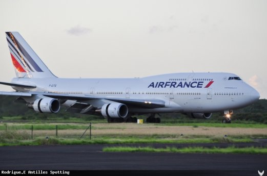 Photo > Boeing 747-400 Guadeloupe