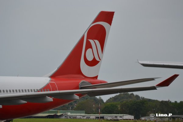 Photos >  Air Berlin en Guadeloupe !