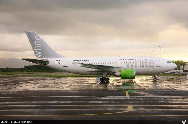 Photo > Airbus A310 White Airways