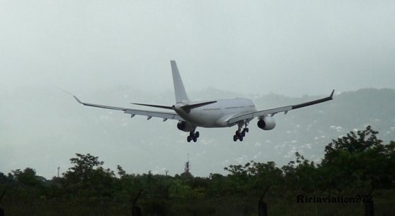 Photos > Airbus A330-200 Hifly > Martinique