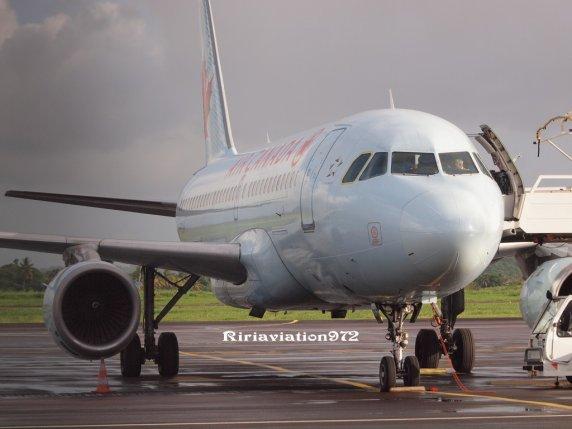 Incident > Retour d'un Airbus A319 Air Canada