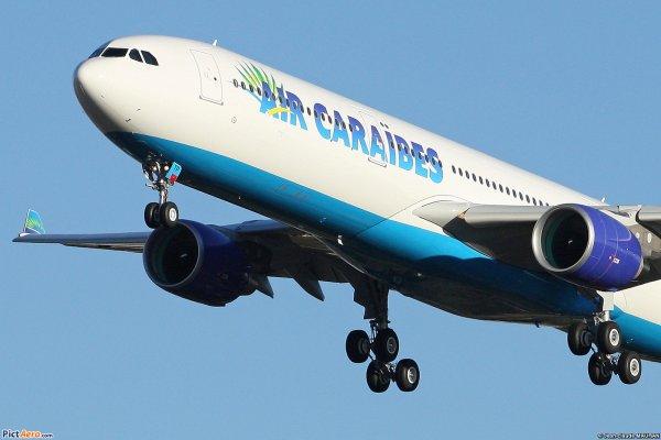 Infos > Air Caraibes [ F-HPTP ]
