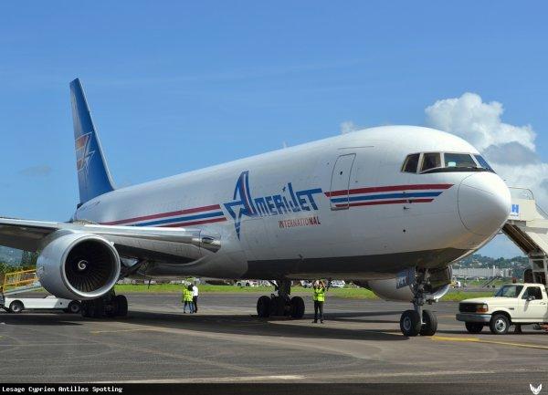 Hier à l'aéroport > Yesterday Martinique Airport