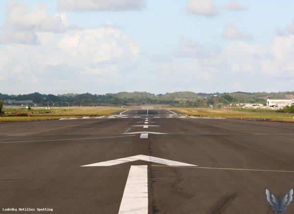 Infos > Aéroport de #Guadeloupe