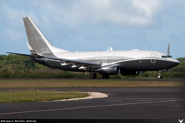Guadeloupe > Boeing 737-700 Privé