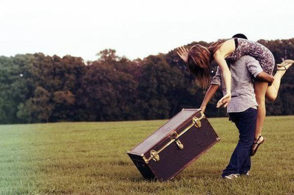Tu me prendras sur ton epaule, me rammenant à la maison trainant ma valise dans ta main...