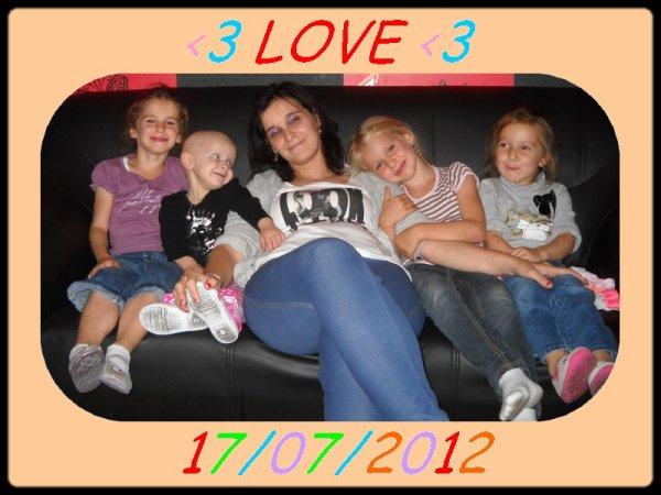 mes 4 filles et moi!!!!!!!! je vous aime