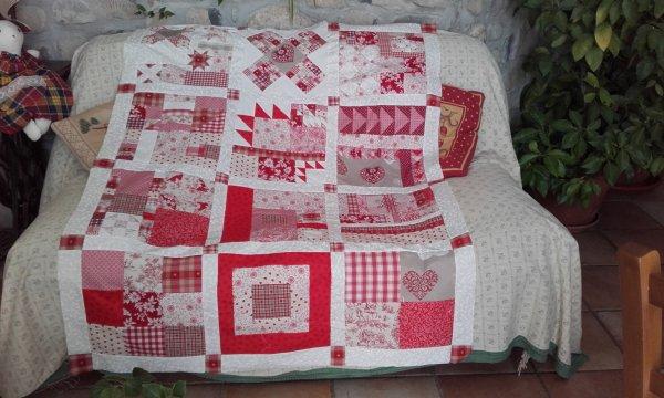 le patchwork ,en la mémoire de  Utah ma petite chienne, est terminé.........maintenant quilting