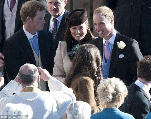 Le Prince Harry et le Prince William avec Kate Middleton au marriage de Laura Bechtolsheimer et Mark Tomlinson.