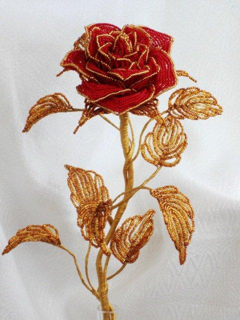 Rose  et papillon en perle