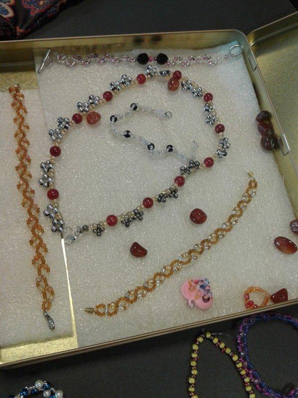 couture ..bijoux ..ecc..