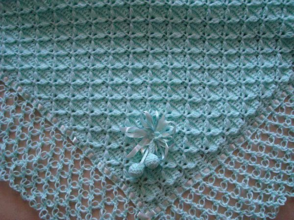Couverture bebe  au crochet   point fantasie