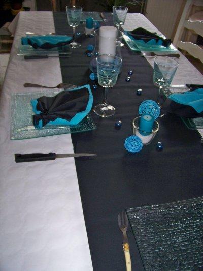 Deco table blanc noir et bleu organisatrice d 39 v nements - Deco de table bleu ...