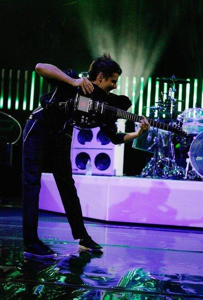 ~ La musique peut sauver une personne mais certainement pas l'humanité ~  Matthew Bellamy