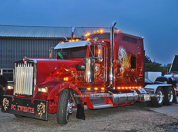 Kenworth W900 Spit In FC Twente Outfit The Netherlands