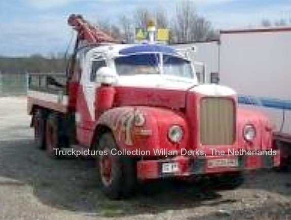 Mack B61 Gruas, Madrid, Spain - American Trucks - Camions US